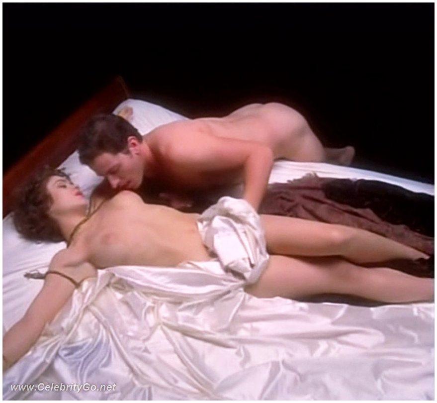 bolshie-siski-na-rabote-porno-film