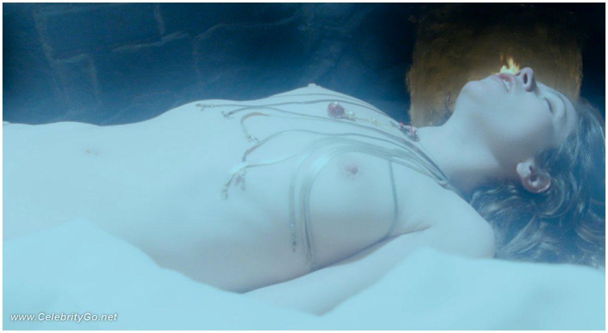 Nude countes nude films