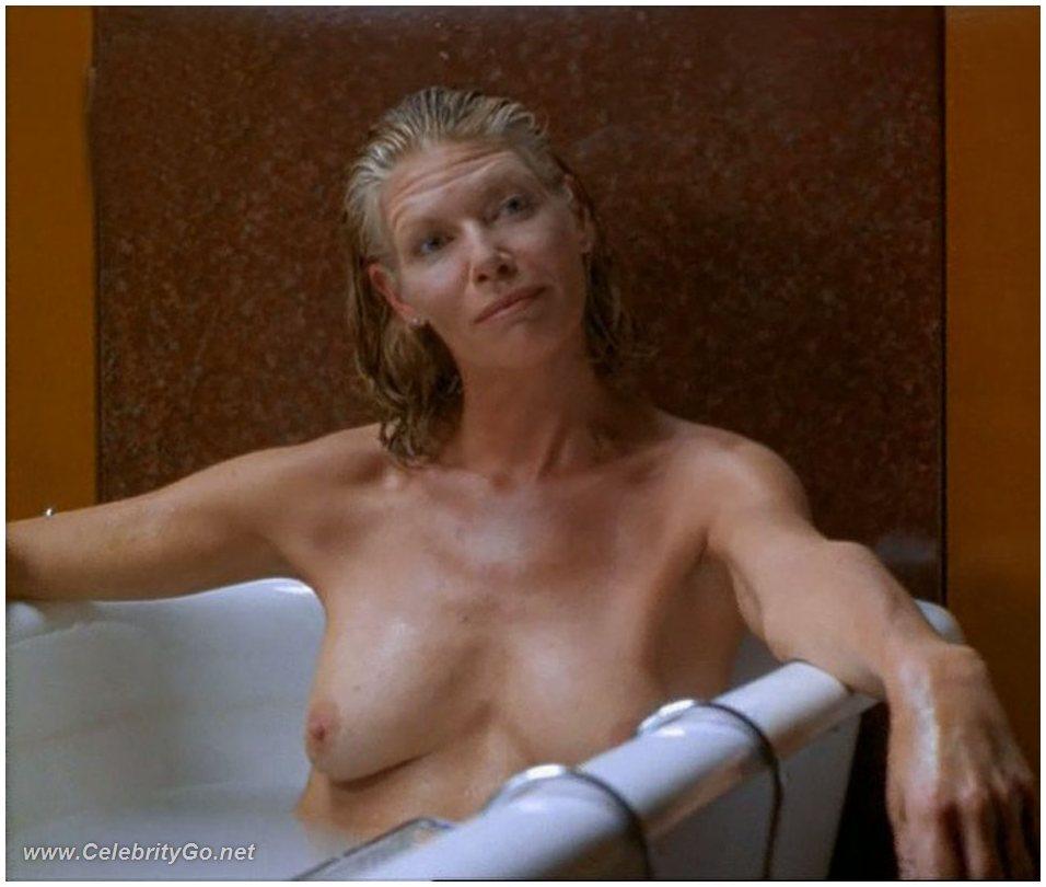 Nude monica bellucci pussy