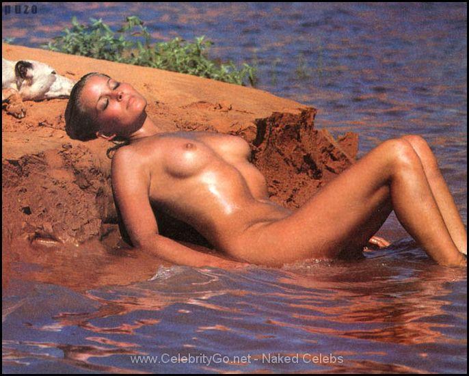 sexy girls nude skirt