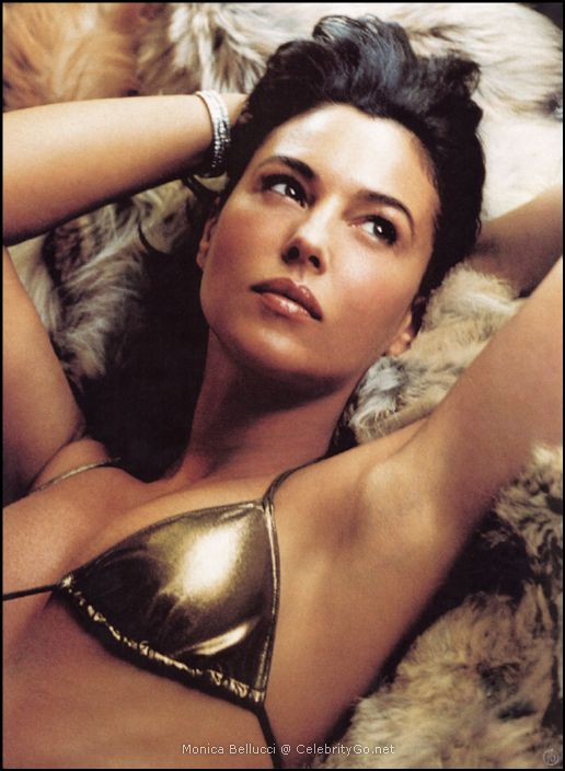Monica Bellucci Nude Pictures Gallery