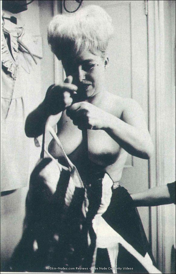 Barbara Windsor Nude