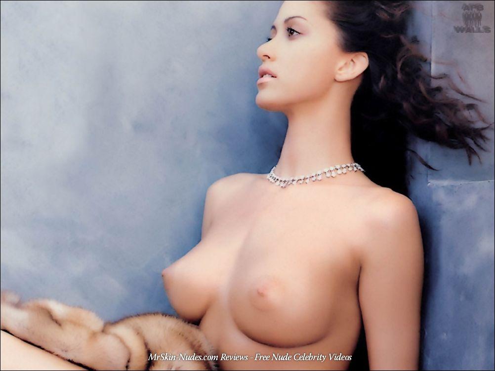 Sexy Shannon Elizabeth Nude